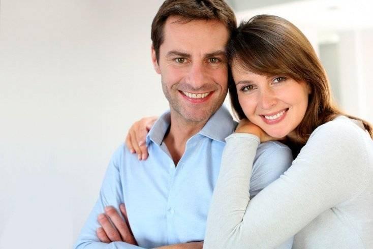 Отношения с мужчиной старше: в чем прелесть игры?